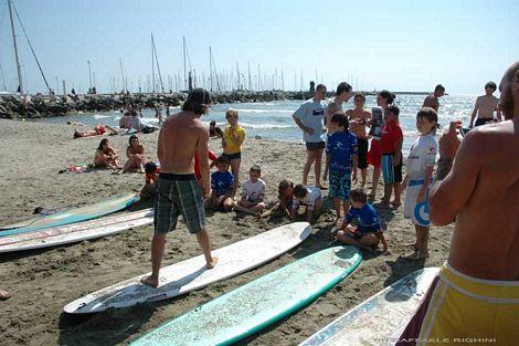 Grande successo per la giornata di surf e ambiente organizzata il 4 luglio al bagno flora di - Bagno flora viareggio ...