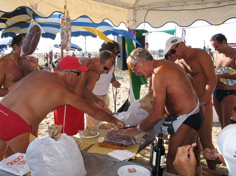 Festa del beach tennis al bagno arizona con la gara di - Bagno arizona viareggio ...