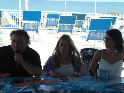 Presentato il festival nazionale del caff concerto una rotonda nel blu 2010 news viareggino - Bagno eugenia lido di camaiore ...
