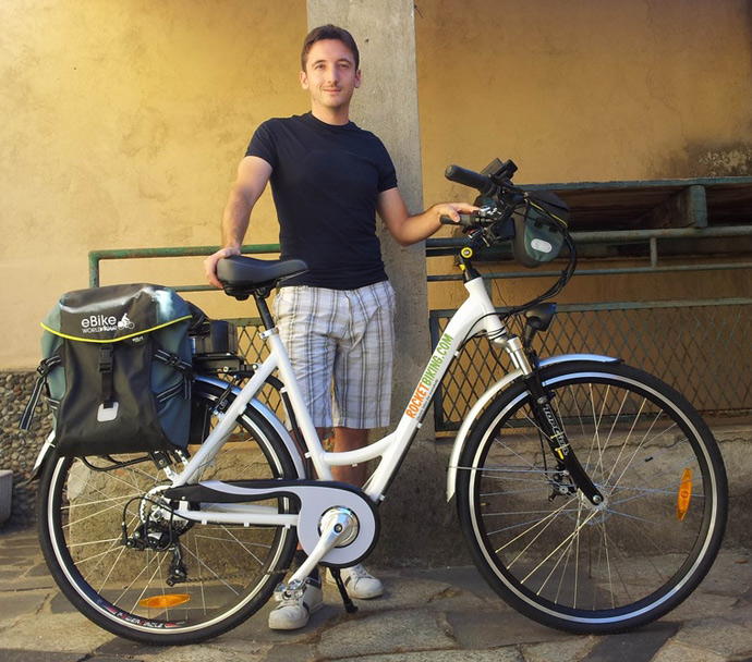 Il primo giro d 39 italia su una bicicletta elettrica far - Bagno teresa viareggio ...