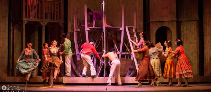 Al teatro la versiliana tempo di musical con un grande - Canzone aggiungi un posto a tavola di johnny dorelli ...