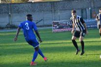 Il Seravezza vince ancora segnando 4 gol. Pareggi 2-2 per il Viareggio nel derby con la Massese e per il Real FQ sul campo della capolista Tuttocuoio