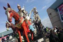 Burlamacco, Ondina e Re Carnevale sorridono al sole