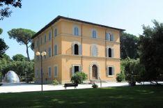 Rinviato a mercoledì 26 agosto l'incontro al Caffè de La Versiliana   con il governatore Enrico Rossi.