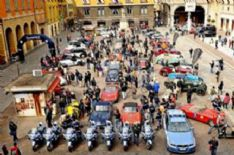 Super-weekend a Pietrasanta tra libri, cavalli, fiori e auto d'epoca