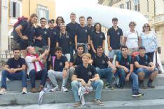 Turismo: studenti pellegrini sul cammino della via Francigena, inizia da PTurismo: studenti pellegrini sul cammino della via Francigena, inizia da Pietrasanta il loro viaggio