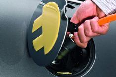 Le auto elettriche crescono anche in Italia, per fortuna