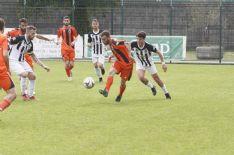 In Eccellenza il Camaiore chiude in 8 contro 10 contro la Pro Livorno e perde 3-2. Pari senza reti del Pietrasanta in Promozione