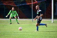 In foto 'Ciccio' Di Paola: la punta del Forte Querceta (che vanta 184 gol in carriera in Serie D) è ancora a secco in questa tormentata stagione 20/21