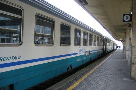 Treni, forti disagi per il maltempo sulla Tirrenica nord. Su muoversintoscana.it aggiornamenti in tempo reale
