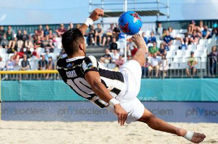 I bianconeri di Santini battono il Palazzolo (8-5 in rimonta), il Catania (7-5 all'extra-time) e il Canalicchio (16-2). Gori mattatore!